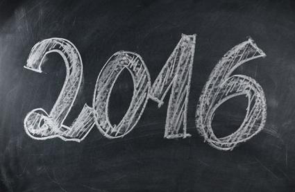 Descrição de imagem: Lousa preta com o ano 2016 escrito em giz. Fim da descrição.