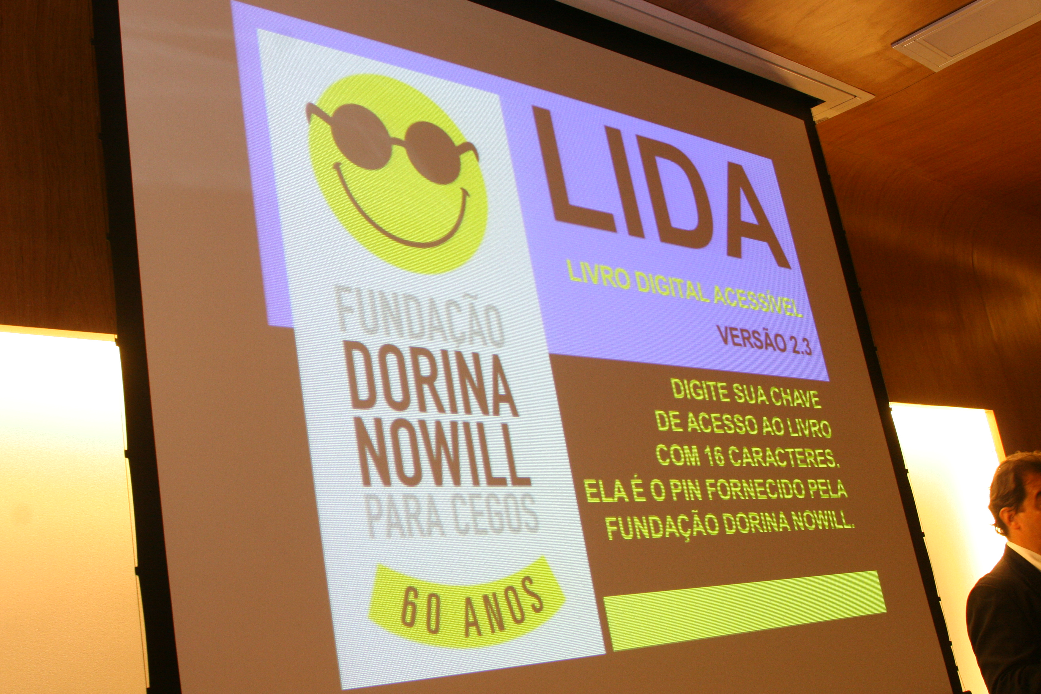 Foto da apresentação do LIDA, livro digital acessível.